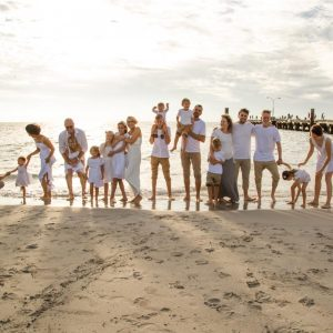 Large-Family-Photoshoot-on-the-Beach-in-Perth